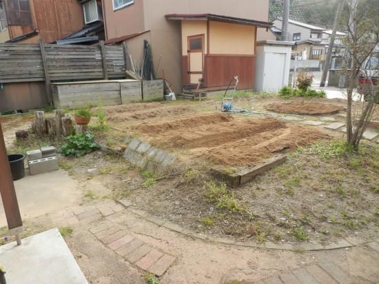 家庭菜園の畝立て